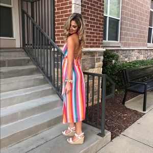 Dresses & Skirts - Colorful midi dress with open back